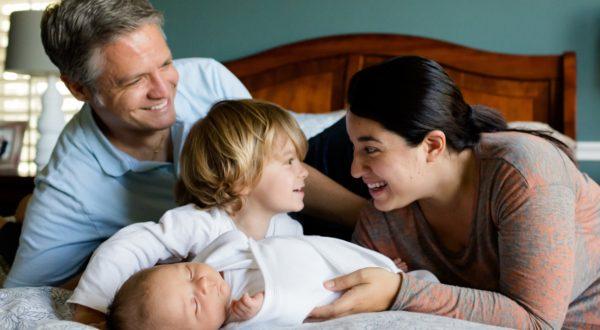 Services à la personne, aide à domicile, femme de ménage, aide-ménagère, apa, apassad, cesu, ménage Montbéliard, nettoyage montbéliard, courses, aide au déménagement